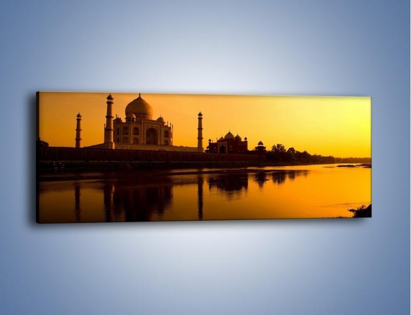 Obraz na płótnie – Taj Mahal o zachodzie słońca – jednoczęściowy panoramiczny AM075