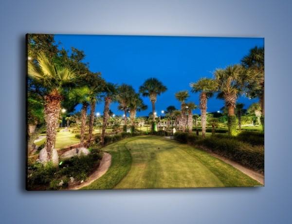 Obraz na płótnie – Zadbana wieczorna zieleń – jednoczęściowy prostokątny poziomy KN1043