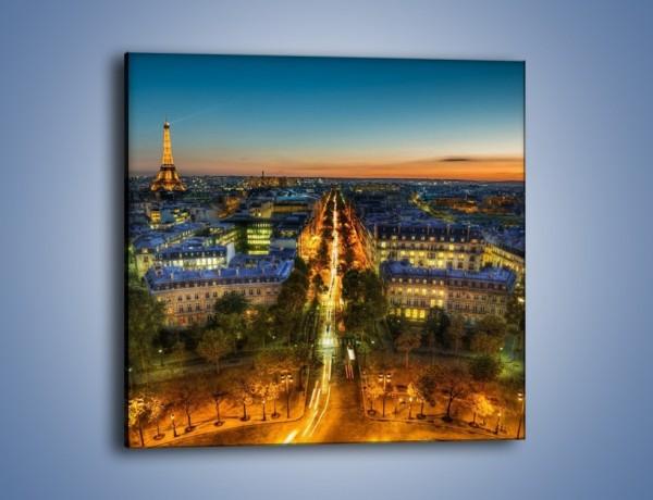 Obraz na płótnie – Rozświetlony Paryż wieczorową porą – jednoczęściowy kwadratowy AM549