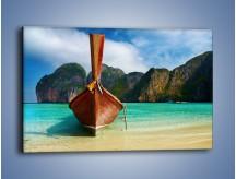 Obraz na płótnie – Kadłub łodzi i lazurowa woda – jednoczęściowy prostokątny poziomy KN672