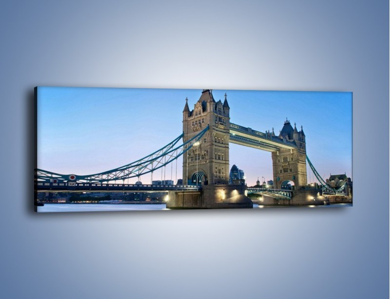 Obraz na płótnie – Tower Bridge o poranku – jednoczęściowy panoramiczny AM143