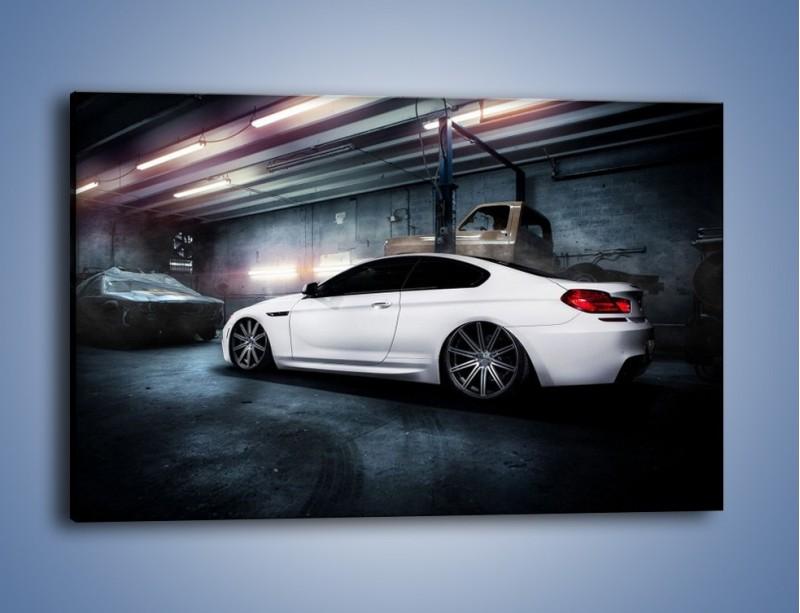 Obraz na płótnie – BMW M6 F13 w garażu – jednoczęściowy prostokątny poziomy TM165