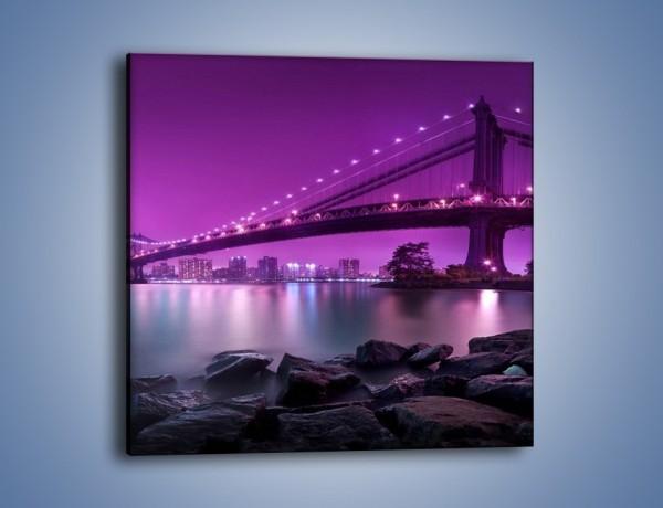Obraz na płótnie – Manhatten Bridge w kolorze fioletu – jednoczęściowy kwadratowy AM619