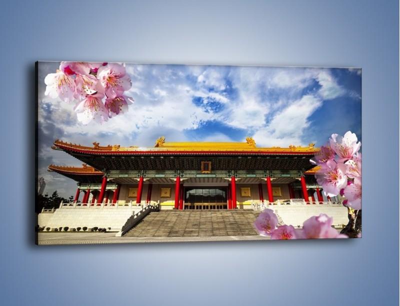 Obraz na płótnie – Azjatycka architektura z kwiatami – jednoczęściowy panoramiczny AM298