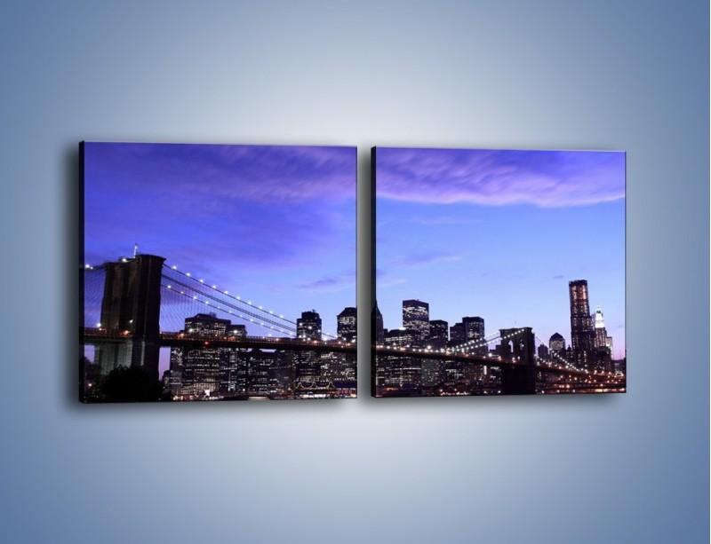 Obraz na płótnie – Most Brookliński przed zmierzchem – dwuczęściowy kwadratowy poziomy AM016