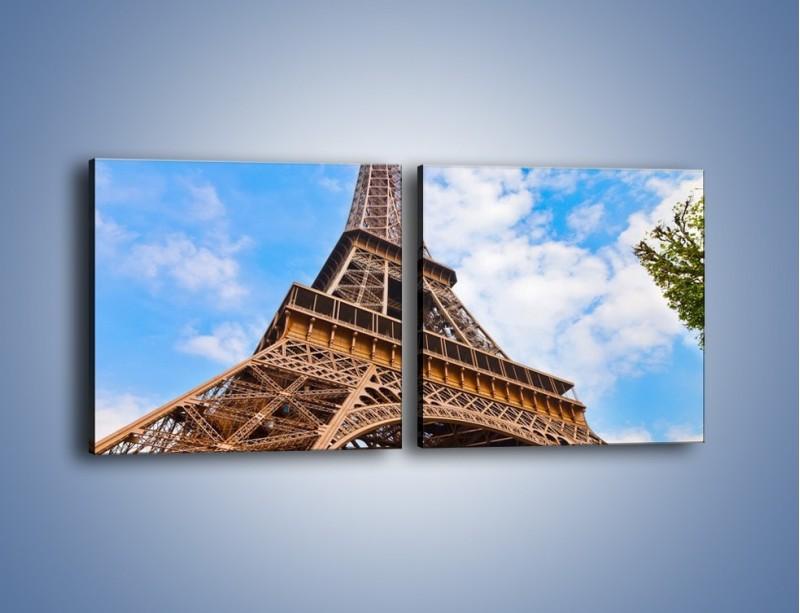 Obraz na płótnie – Wieża Eiffla pod chmurkami – dwuczęściowy kwadratowy poziomy AM173