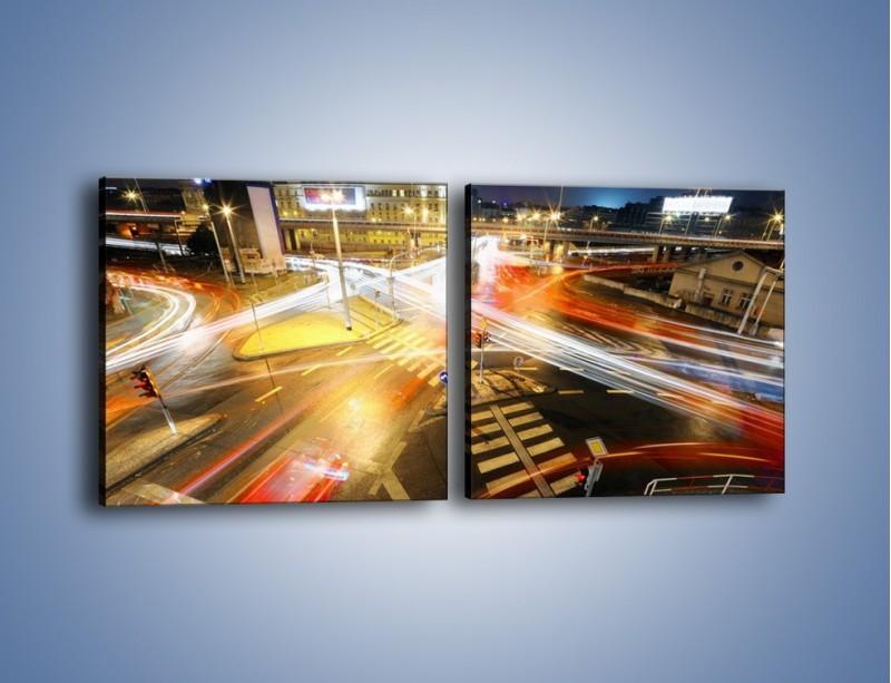 Obraz na płótnie – Światła samochodów w ruchu na skrzyżowaniu – dwuczęściowy kwadratowy poziomy AM279