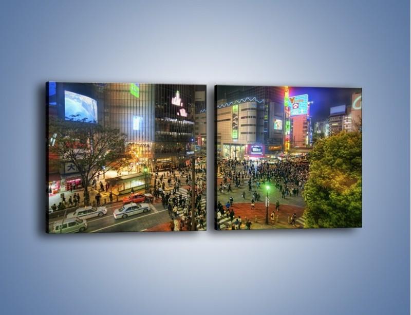 Obraz na płótnie – Zatłoczone ulice Toyko nocą – dwuczęściowy kwadratowy poziomy AM333