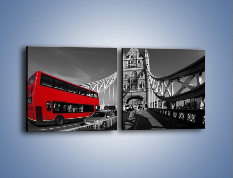 Obraz na płótnie – Tower Bridge i czerwony autobus – dwuczęściowy kwadratowy poziomy AM394