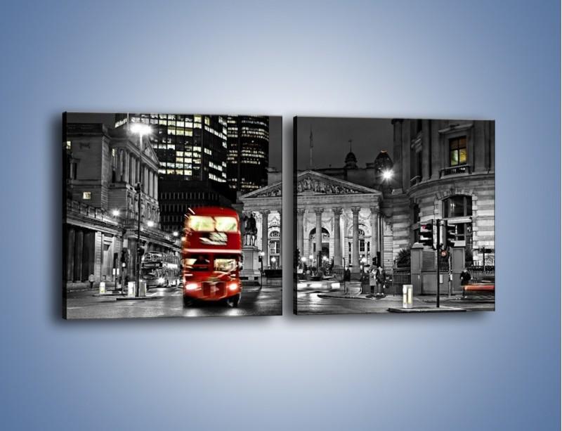 Obraz na płótnie – Czerwony autobus w Londynie – dwuczęściowy kwadratowy poziomy AM395