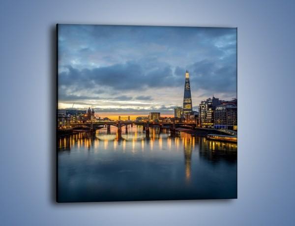 Obraz na płótnie – Millennium Bridge w Londynie – jednoczęściowy kwadratowy AM651