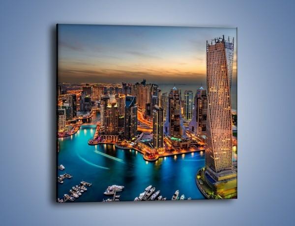 Obraz na płótnie – Centrum Dubaju wieczorową porą – jednoczęściowy kwadratowy AM656
