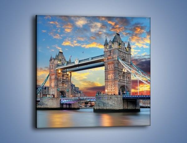 Obraz na płótnie – Tower Bridge o zachodzie słońca – jednoczęściowy kwadratowy AM669