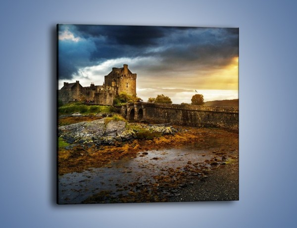 Obraz na płótnie – Zamek Eilean Donan w Szkocji – jednoczęściowy kwadratowy AM697