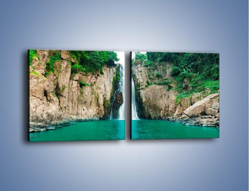 Obraz na płótnie – Skok ze skarpy do wody – dwuczęściowy kwadratowy poziomy KN1184A