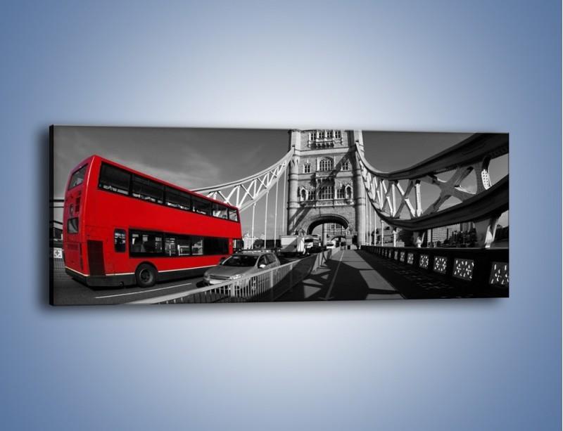 Obraz na płótnie – Tower Bridge i czerwony autobus – jednoczęściowy panoramiczny AM394
