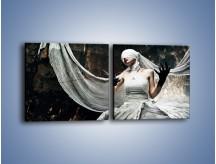 Obraz na płótnie – Dama w białych bandażach – dwuczęściowy kwadratowy poziomy L278