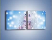 Obraz na płótnie – Biała dama i światełka – dwuczęściowy kwadratowy poziomy L318