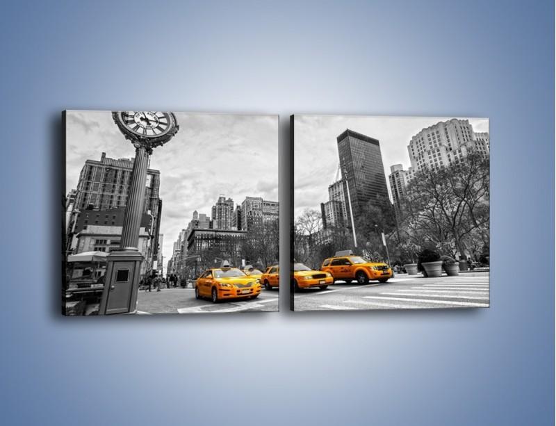 Obraz na płótnie – Żółte taksówki na szarym tle miasta – dwuczęściowy kwadratowy poziomy TM225