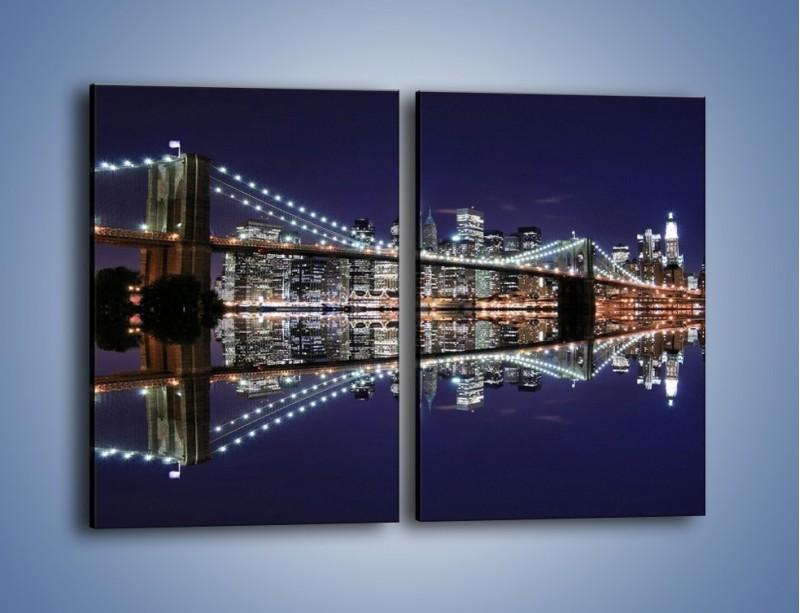 Obraz na płótnie – Most Brookliński w lustrzanym odbiciu wody – dwuczęściowy prostokątny pionowy AM067
