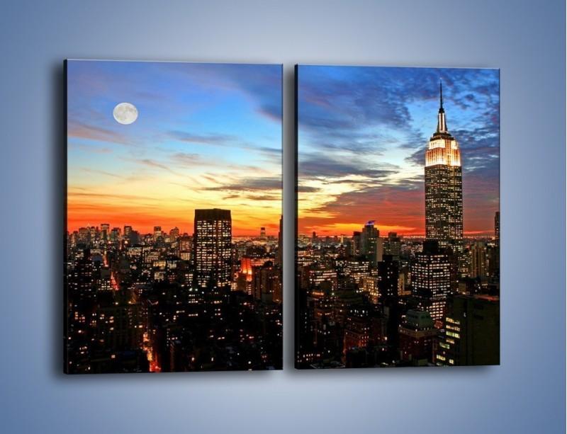 Obraz na płótnie – Pełnia księżyca nad zasypiającym miastem – dwuczęściowy prostokątny pionowy AM096