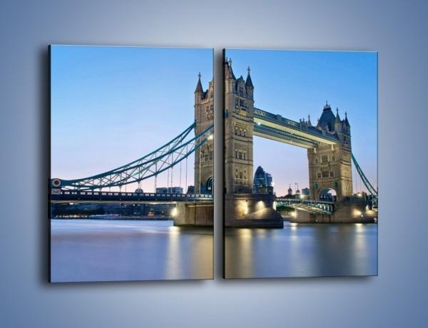 Obraz na płótnie – Tower Bridge o poranku – dwuczęściowy prostokątny pionowy AM143