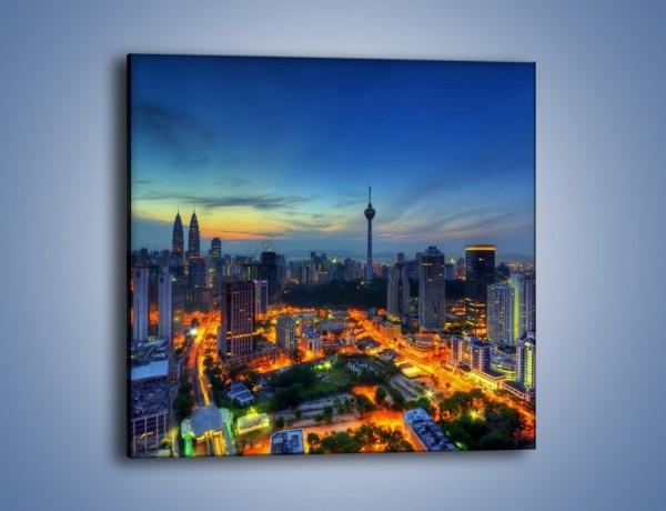Obraz na płótnie – Zapadający wieczór nad Kuala Lumpur – jednoczęściowy kwadratowy AM727