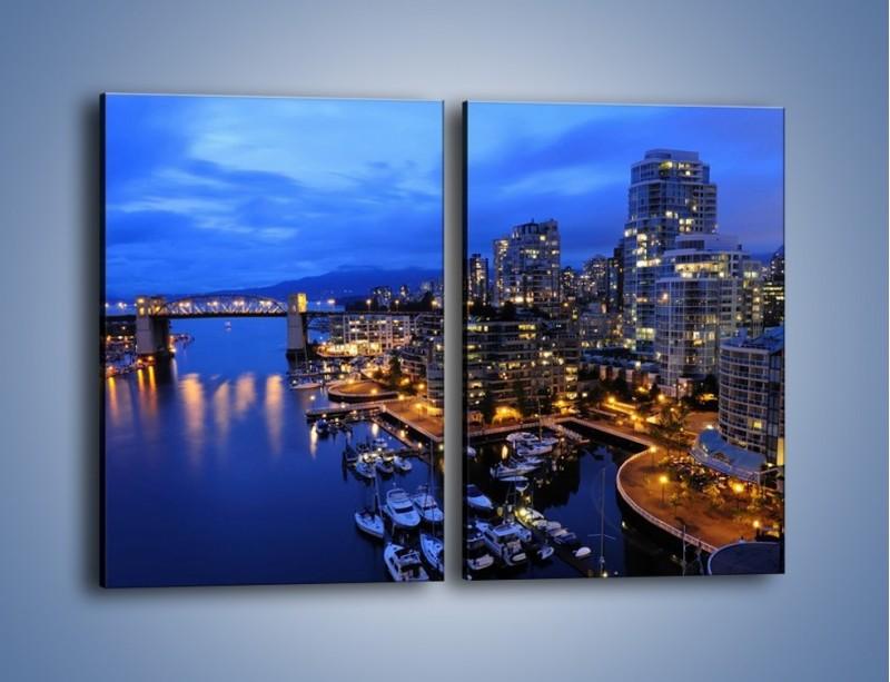 Obraz na płótnie – Port na jachty w mieście nocą – dwuczęściowy prostokątny pionowy AM250