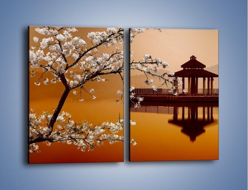 Obraz na płótnie – Kwiaty na tle Sun Moon Lake – dwuczęściowy prostokątny pionowy AM301