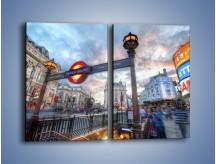 Obraz na płótnie – Wejście do londyńskiego metro – dwuczęściowy prostokątny pionowy AM334