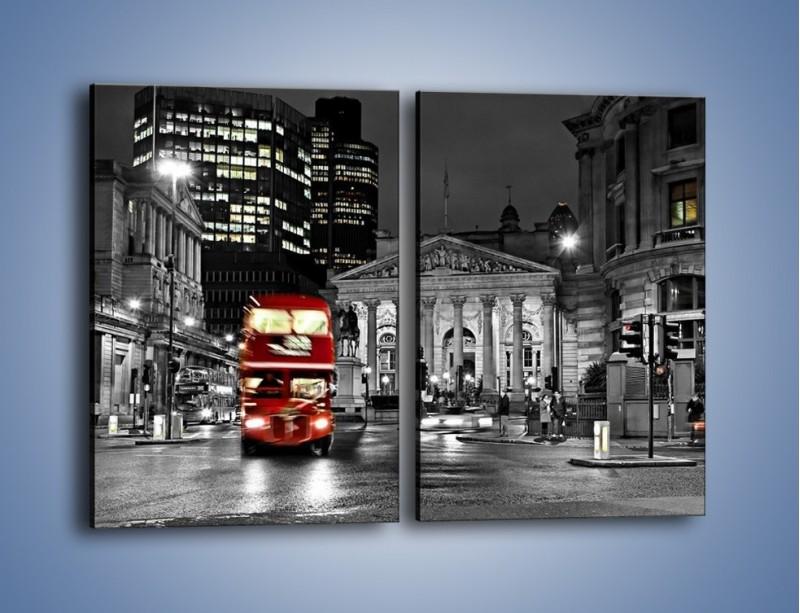 Obraz na płótnie – Czerwony autobus w Londynie – dwuczęściowy prostokątny pionowy AM395