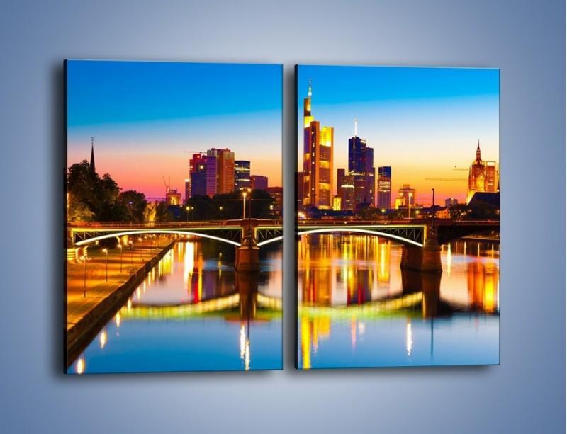 Obraz na płótnie – Oświetlony most we Frankfurcie – dwuczęściowy prostokątny pionowy AM416