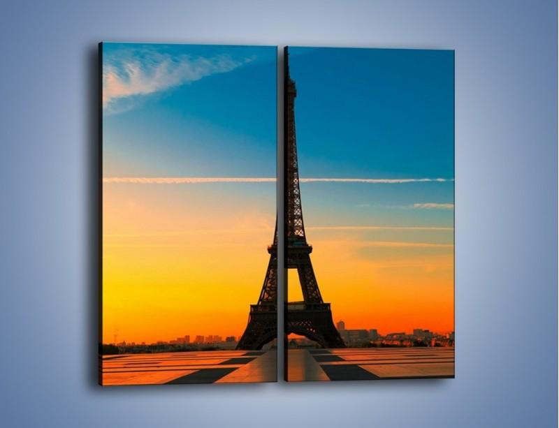 Obraz na płótnie – Wieża Eiffla o zachodzie słońca – dwuczęściowy prostokątny pionowy AM417