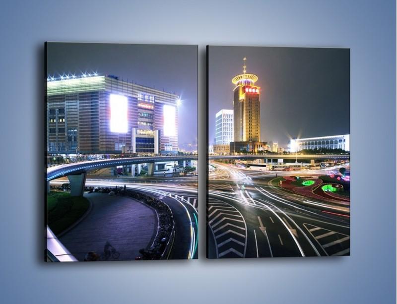 Obraz na płótnie – Oświetlone skrzyżowanie ulic w Szanghaju – dwuczęściowy prostokątny pionowy AM446