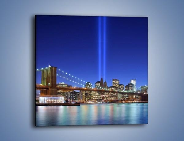 Obraz na płótnie – Świetlne kolumny w Nowym Jorku – jednoczęściowy kwadratowy AM757