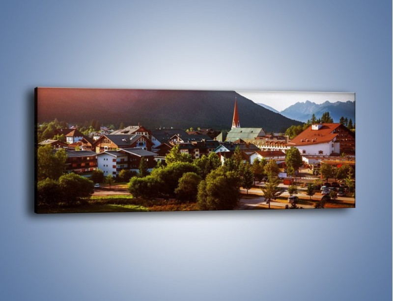 Obraz na płótnie – Austryjackie miasteczko u podnóży gór – jednoczęściowy panoramiczny AM496