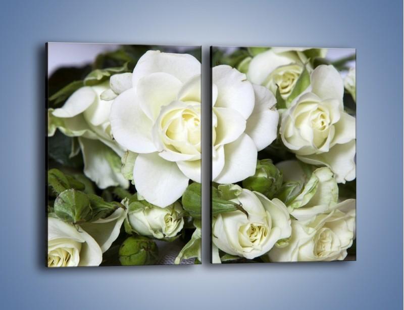 Obraz na płótnie – Białe róże na stole – dwuczęściowy prostokątny pionowy K131