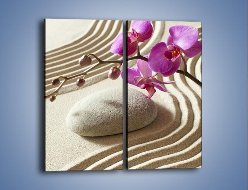 Obraz na płótnie – Wzór na piasku i kwiat – dwuczęściowy prostokątny pionowy K432