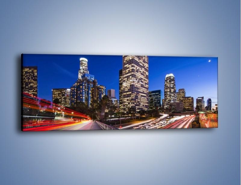 Obraz na płótnie – Los Angeles w wieczornych światłach – jednoczęściowy panoramiczny AM522
