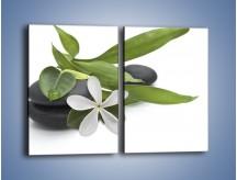 Obraz na płótnie – Artystyczna kompozycja z kwiatem – dwuczęściowy prostokątny pionowy K968
