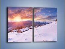 Obraz na płótnie – Chatka w śnieżnym dywanie – dwuczęściowy prostokątny pionowy KN725