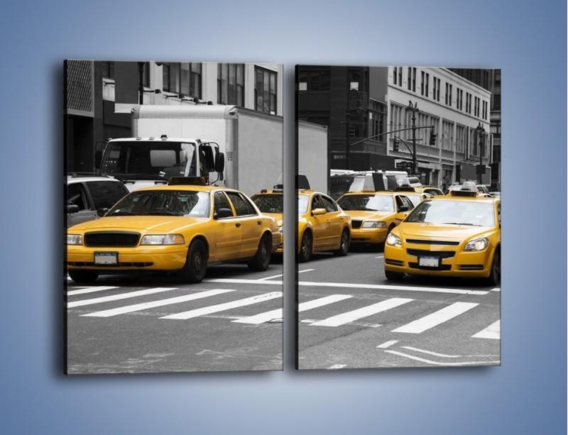Obraz na płótnie – Amerykańskie taksówki w korku ulicznym – dwuczęściowy prostokątny pionowy TM219