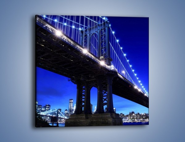 Obraz na płótnie – Oświetlony most wieczorem – jednoczęściowy kwadratowy AM003