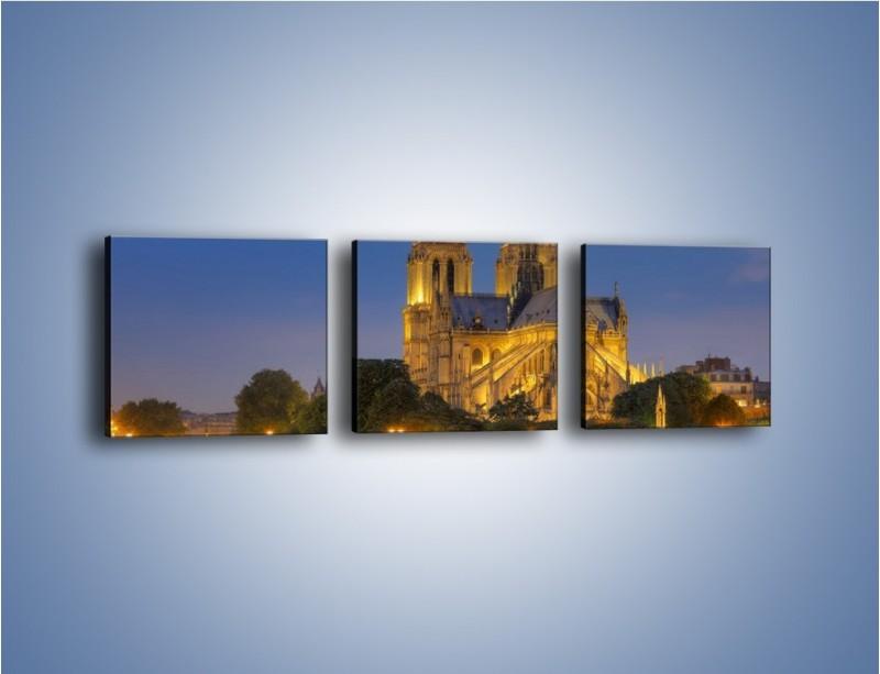 Obraz na płótnie – Kościół w świetle wieczornych lamp – trzyczęściowy AM170W1
