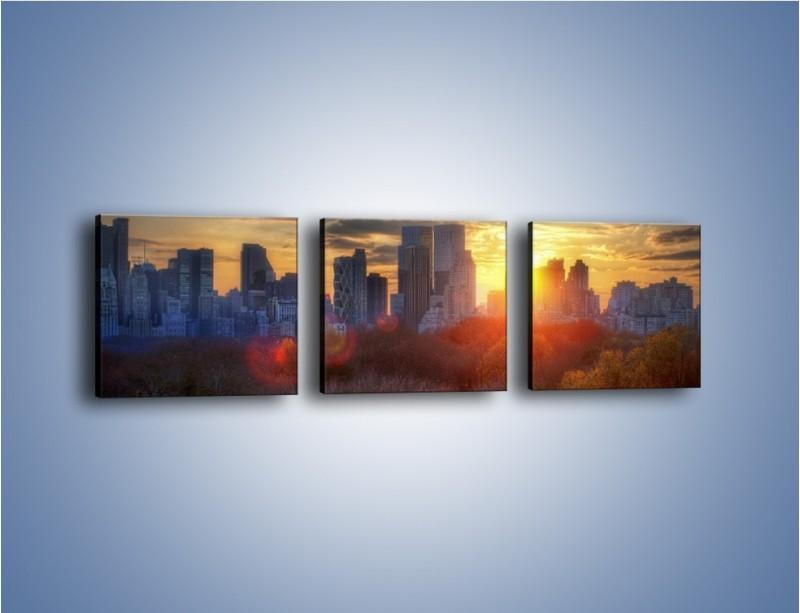 Obraz na płótnie – Wschód słońca nad miastem – trzyczęściowy AM318W1