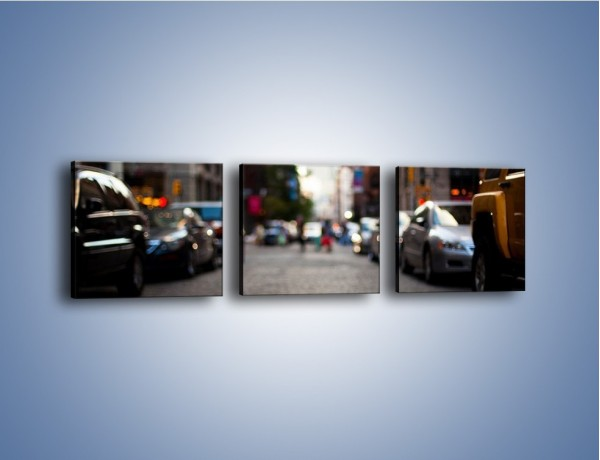Obraz na płótnie – Rozmyty świat centrum miasta – trzyczęściowy AM367W1