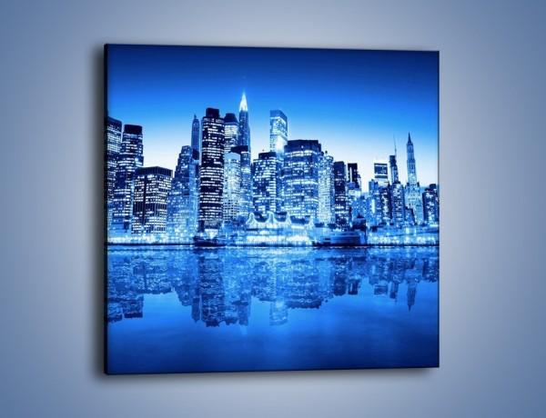 Obraz na płótnie – Odbicie miasta w tafli wody – jednoczęściowy kwadratowy AM004