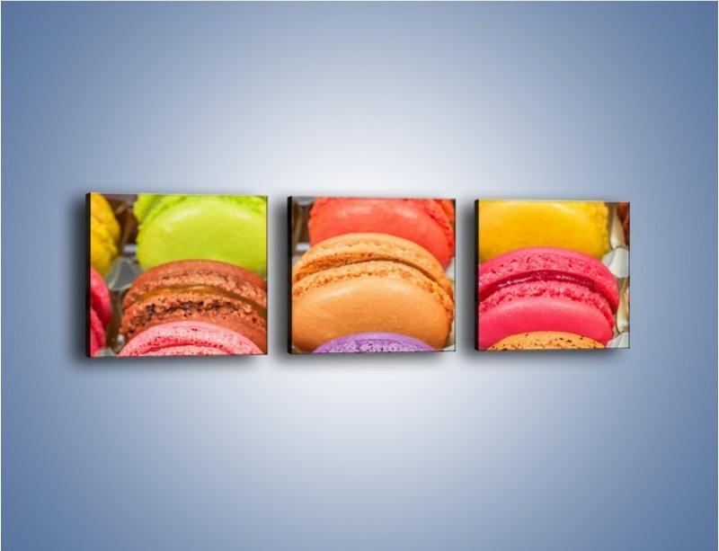 Obraz na płótnie – Słodkie babeczki w kolorach tęczy – trzyczęściowy JN458W1