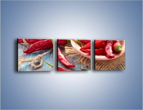 Obraz na płótnie – Stół pełen dojrzałych papryk – trzyczęściowy JN610W1