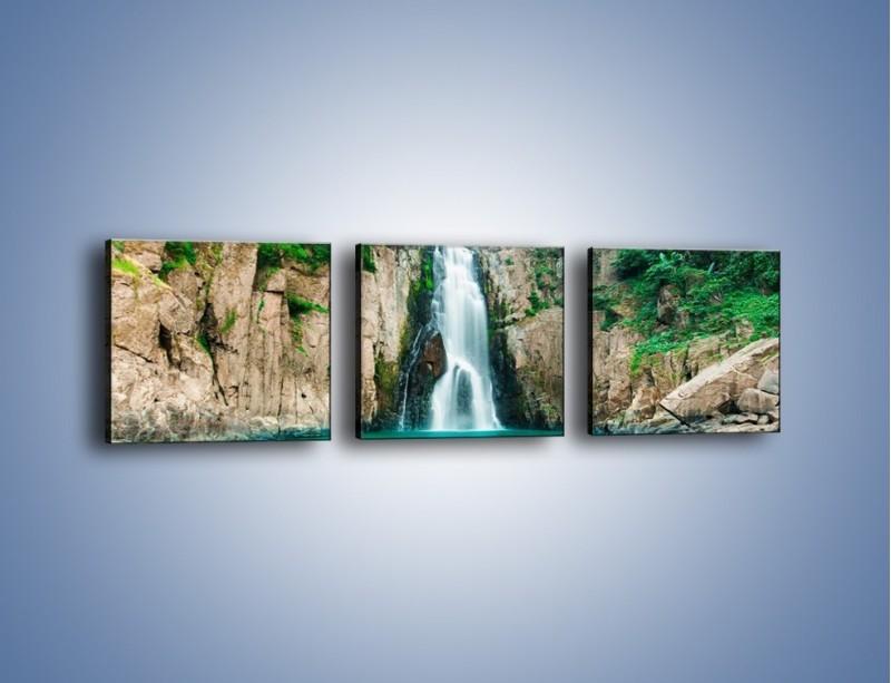 Obraz na płótnie – Skok ze skarpy do wody – trzyczęściowy KN1184AW1